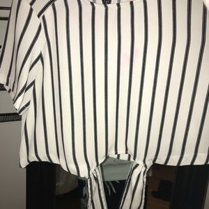 Forever 21 Crop blouse